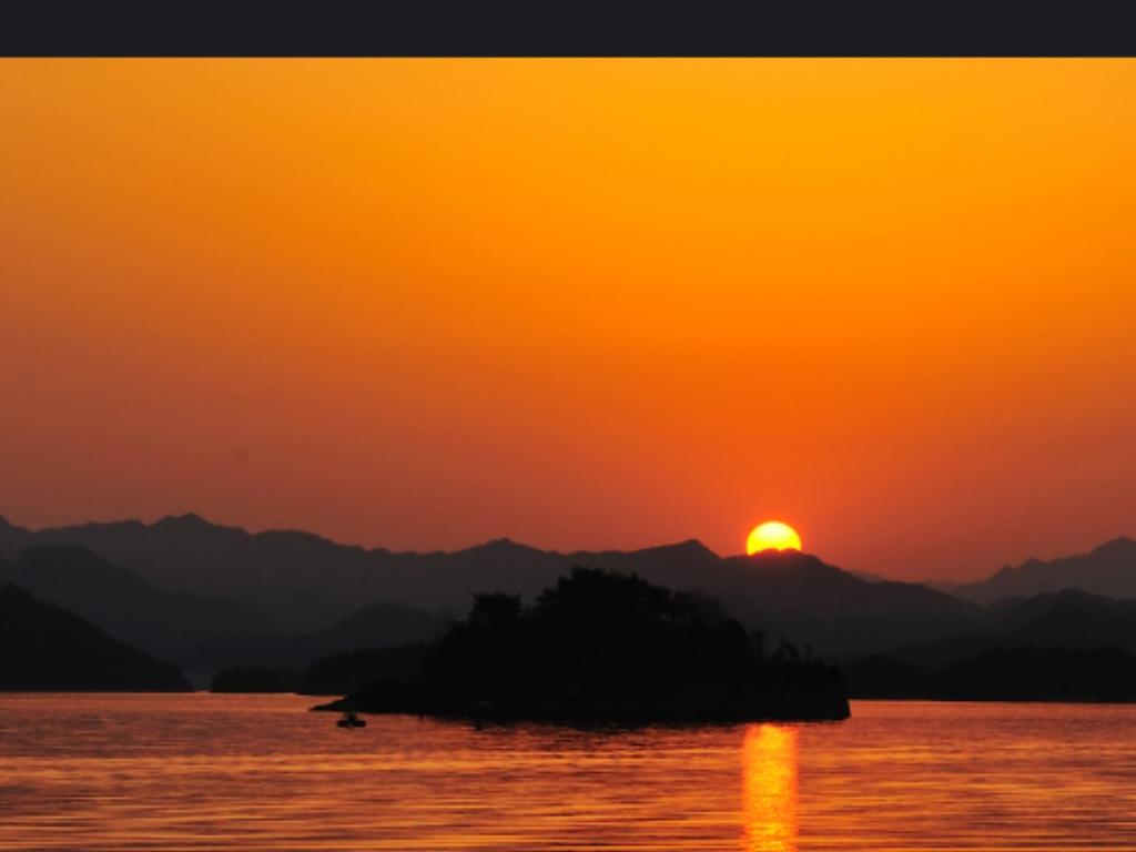 千岛湖中做神仙(张艺军曲,胡红珊精品演唱版)
