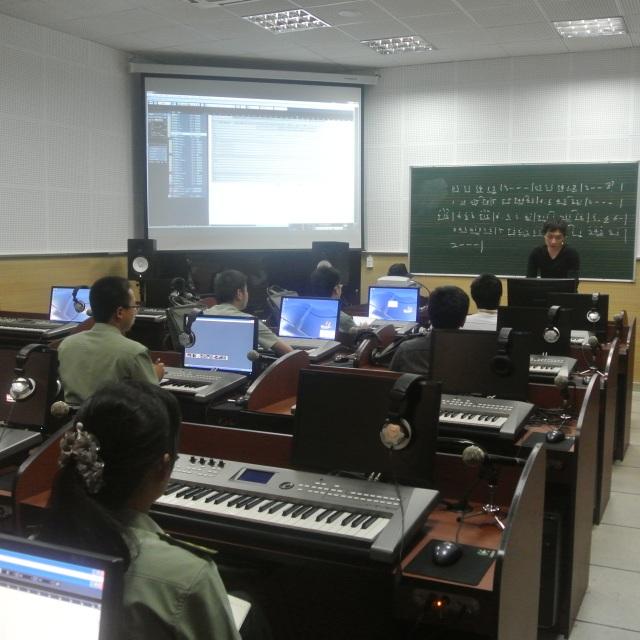 解放军艺术学院2013级全军电脑音乐制作