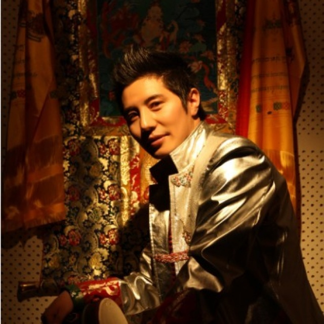藏族歌手恩诺吾
